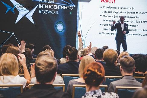 """Laureaci PNIR 2020: """"Zasłużeni dla Inteligentnego Rozwoju"""" wybrani!"""